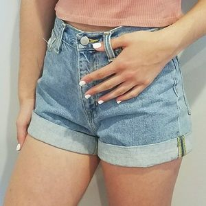 BDG - Urban Outfitters Mom High-Rise Demin Shorts